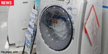 Bé gái chết vì bị mẹ quay trong máy giặt