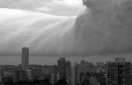 Những đám mây kì bí