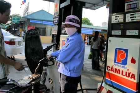 Bắt kẻ làm con chíp để ăn cắp xăng