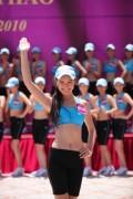HHTG Người Việt khoe vẻ tươi trẻ trong trang phục thể thao của Triumph.