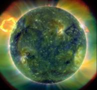 'Sóng thần' từ mặt trời đang hướng tới trái đất