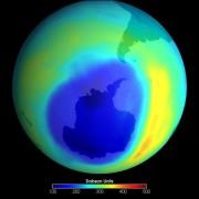 Tầng ozon phục hồi: Mừng hay lo?