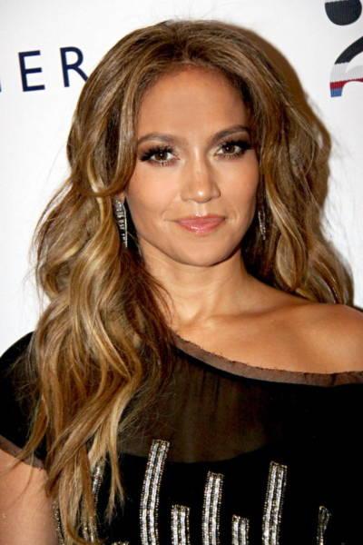 American Idol chi 12 triệu USD mời J.Lo làm giám khảo