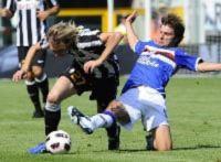 """""""Chuyện lạ"""" ở Serie A: Juve ngoảnh mặt với... Scudetto"""
