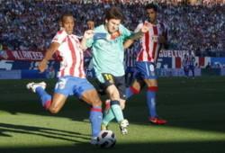 Messi giúp ĐKVĐ Barcelona phá dớp trên sân Vicente Calderon