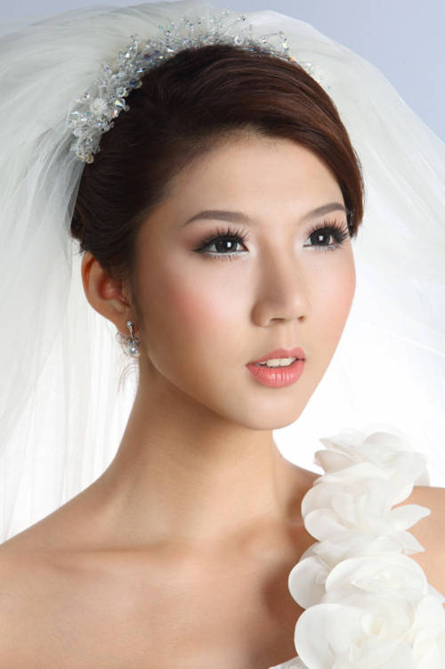 Model Việt đua nhau làm cô dâu