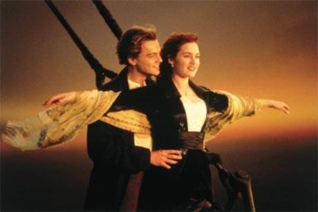 Nở rộ tour thăm nơi chìm tàu Titanic