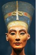 """Nữ hoàng Nefertiti đã được """"sửa sắc đẹp"""""""