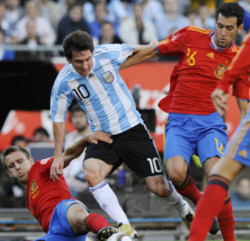 Tây Ban Nha chơi bóng như đội nghiệp dư