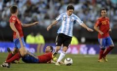 Tevez chói sáng, Argentina thắng đậm Tây Ban Nha