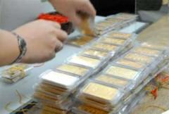 Vàng tăng nhẹ, USD giảm 10 VND