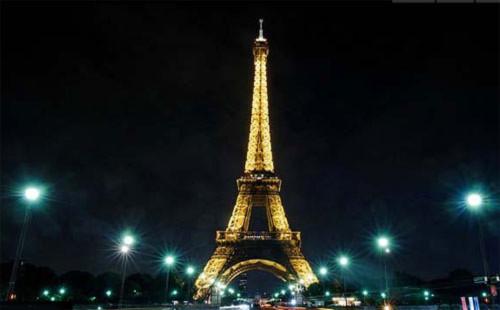 Tháp Eiffel (Paris, Pháp)