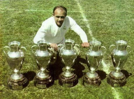 Di Stefano đã giúp Real đoạt 5 Cup C1 liên tiếp đầu tiên.