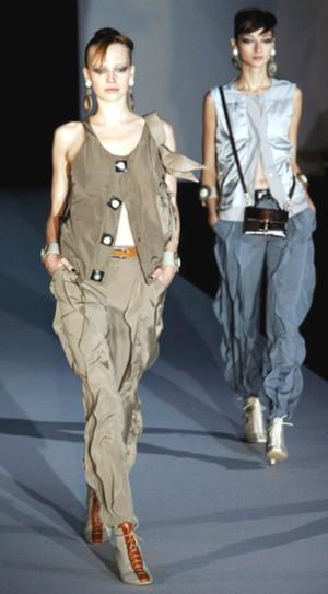 Bộ sưu tập xuân - hè 2011 của Giorgio Armani