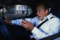 Cảnh báo: Tai nạn giao thông vì điện thoại di động
