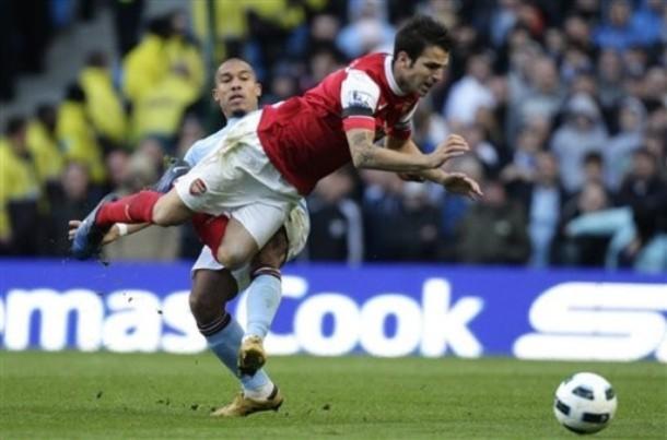 Chấm điểm Man City (0-3) Arsenal: Nhờ có Fabregas
