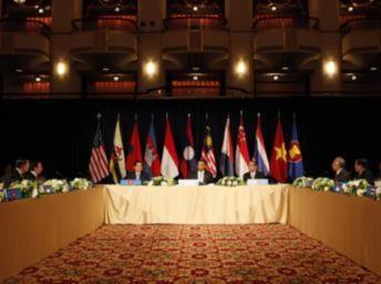 Châu Á : Trung Quốc hung hăng, Hoa Kỳ hưởng lợi