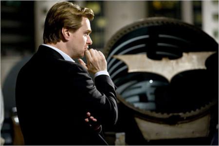 Đạo diễn Christopher Nolan trên phim trường The Dark Knight.