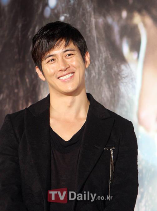 Go Soo tham gia vào dự án phim chiến tranh mới