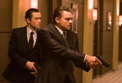 "Joseph Gordon Levitt và Leonardo DiCaprio trong phim ""Inception"". Ảnh: Warner Bros."