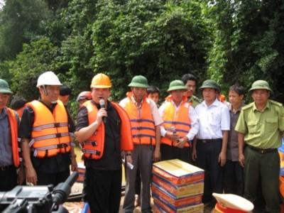 Hỗ trợ dân vùng lũ Hà Tĩnh 100 tỷ đồng và 1.000 tấn gạo