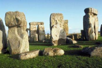Ai là người chịu trách nhiệm xây dựng Stonehenge? (Photos.com)