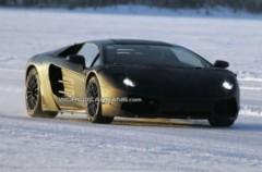 Lamborghini Jota thể hiện