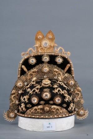 Mũ vàng, trọng lượng 660 Gr.