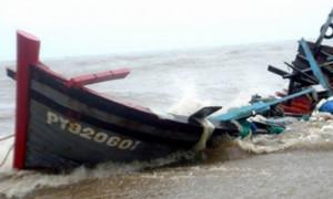 Lũ lụt miền Trung: Nhiều ngư dân gặp nạn