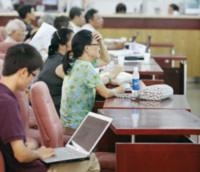 Lý giải sự ngược chiều của chứng khoán Việt Nam
