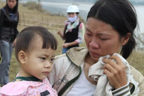 Sau lũ hàng loạt trẻ nhỏ ở Tân Hóa bị dịch bệnh