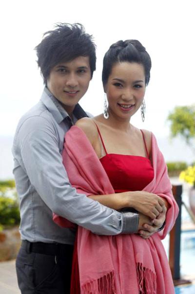 """Nguyên Vũ và Trịnh Kim Chi trên phim trường """"Chạm vào quá khứ"""". Ảnh: C.V."""