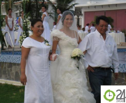 """""""Đột kích"""" đám cưới bí mật của HH Hương Giang"""