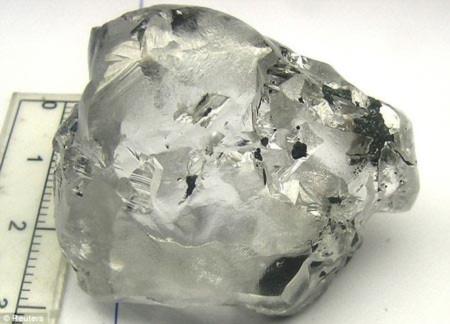 Phát hiện viên kim cương trị giá gần 12 triệu USD
