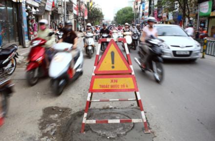 """Phó Thủ tướng Nguyễn Sinh Hùng: """"Phải chấp nhận lạm phát một chút…"""""""
