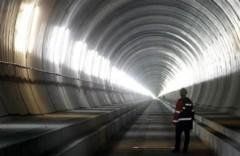 Thăm đường hầm xe lửa dài nhất hành tinh