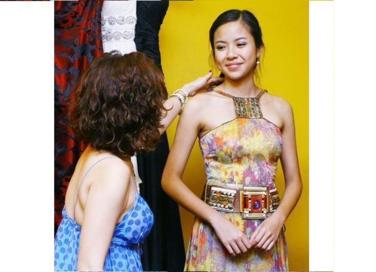 Trang phục đời thường của Kiều Khanh