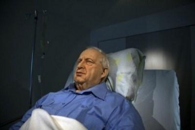 Tranh cãi quanh bức tượng cựu Thủ tướng đang hôn mê của Israel
