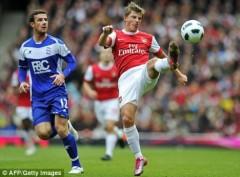 Wenger tăng lương để giữ chân Arshavin