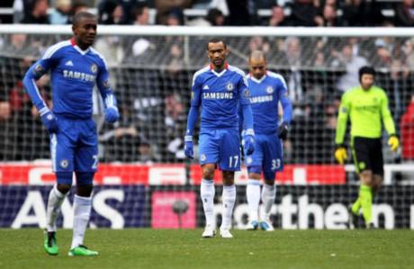 Bị Newcastle cầm chân, Chelsea chính thức mất ngôi đầu