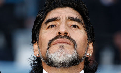 Chúc mừng Maradona 50 tuổi!