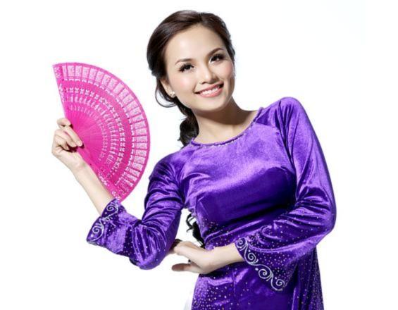 Diễm Hương mặc trang phục 3 miền
