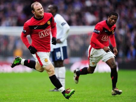 Evra chấp nhận tha thứ cho Rooney