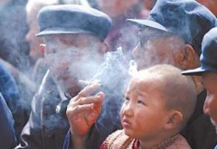 Giảm thính lực vì hít phải khói thuốc