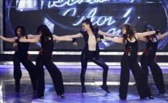 Hà Hồ trên sân khấu Idol