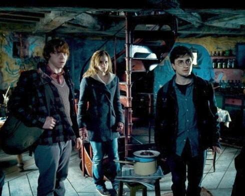 'Harry Potter 7' đánh bại công chúa tóc dài của Disney
