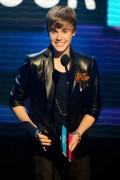 Hoàng tử nhạc Pop Justin Bieber thắng lớn tại American Music Awards 2010