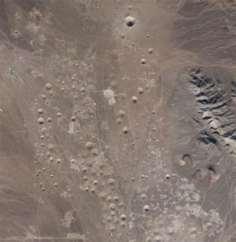 Khu vực thử nghiệm hạt nhân nhìn từ Google Maps