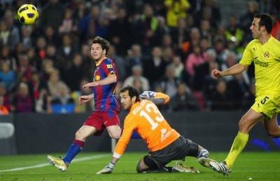 Messi tỏa sáng, Barca chiếm ngôi đầu của Real