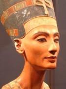 Nguyên liệu trang điểm mắt của người Ai Cập cổ đại được phát hiện là một dược phẩm